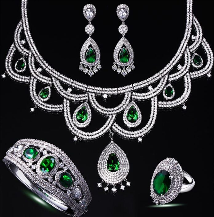 White-Gold-Bridal-Set-With-Emeralds