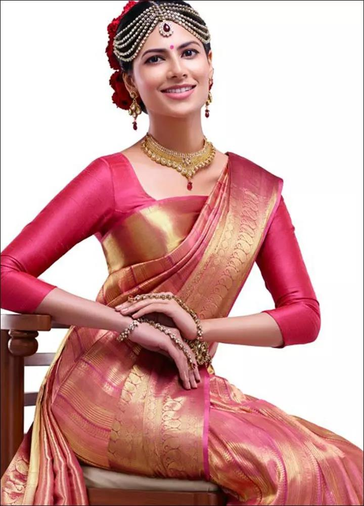 pink-and-gold-Blouse-Designs-For-Silk-Sarees