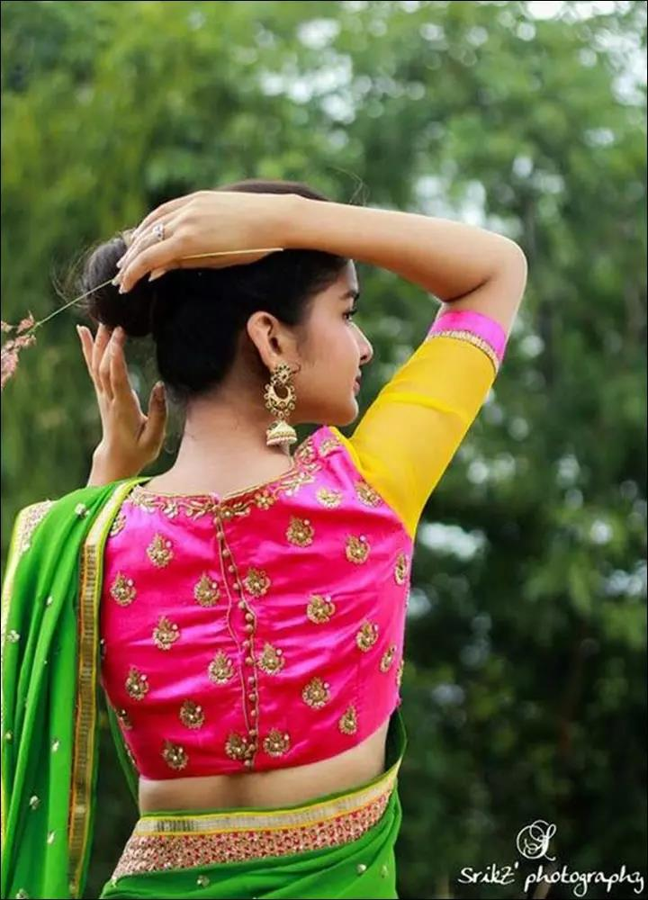pink-and-gold-blouse-Blouse-Designs-For-Silk-Sarees