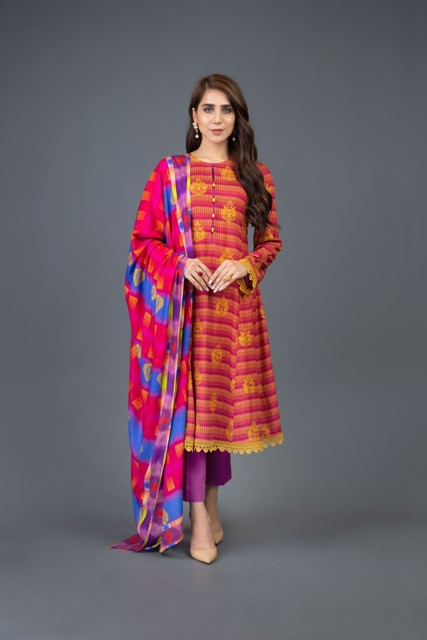 Bareeze-Luxury-Winter-Embroidered-Dresses-Shawls-Designs-5
